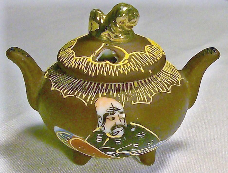 Vintage Satsuma Style Incense Burner Ca. 1920s Japan