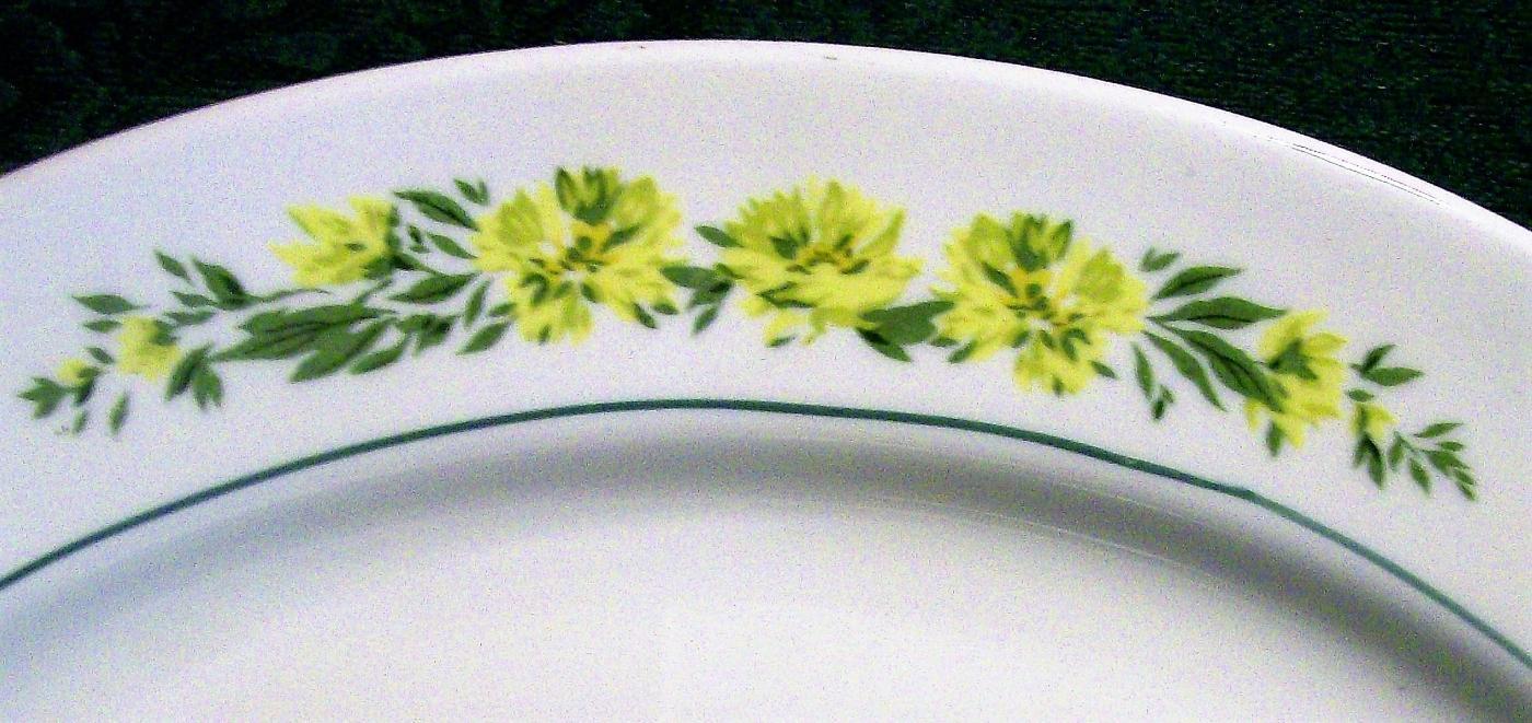 Vintage Platter Yellow Flower Garland Green Verge 13.75