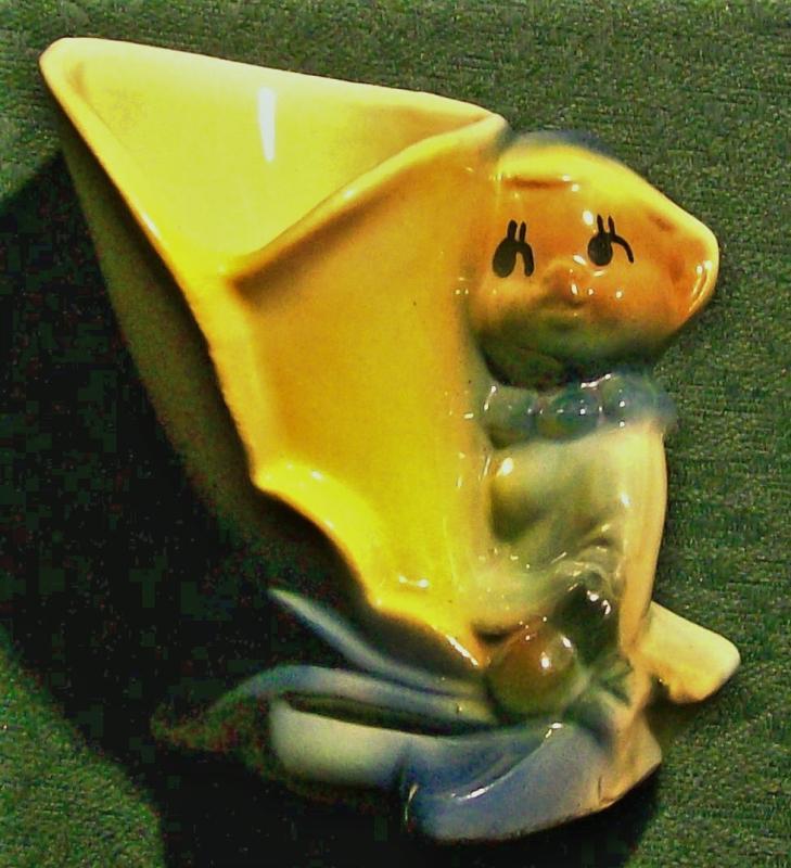 Vintage Shawnee Pixie/Elf w/Lily Planter 4