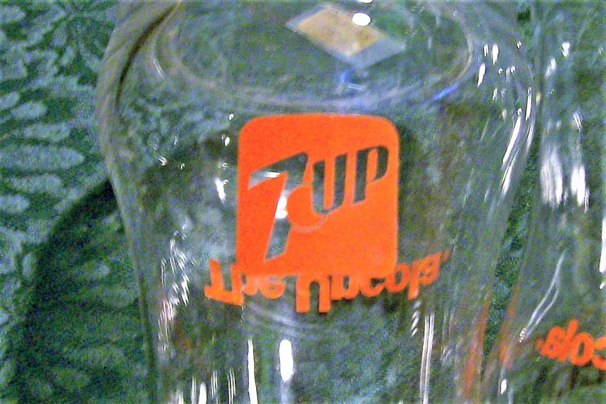 Vintage 7-Up Soda Advertising Glass Tumbler Set/3 1970s