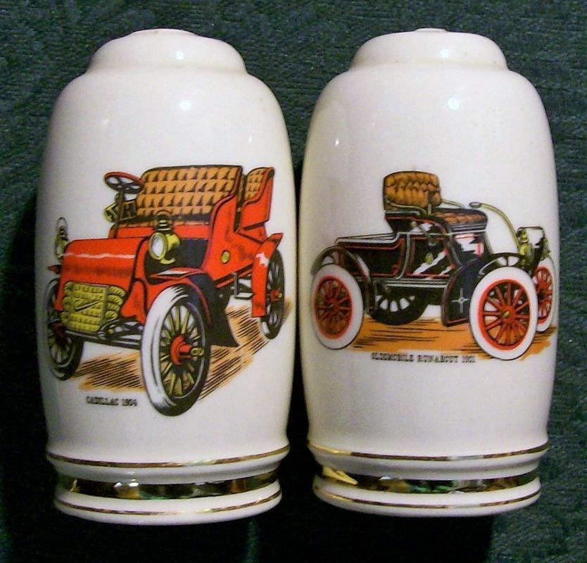 Vintage Hyalyn Antique Auto Salt & Pepper Shakers #633 Caddy/Olds