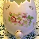 Vintage Egg Vase Pink w/Flower Decoration Ca. 1950s 4.75