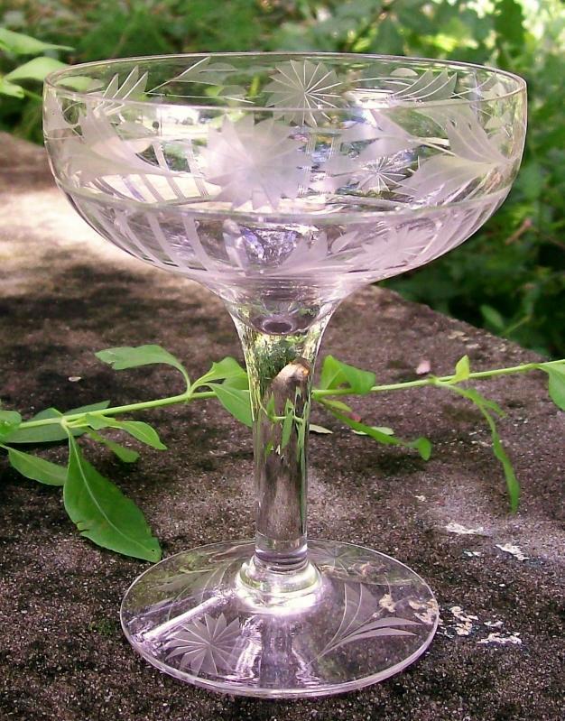 Antique Glastonbury-Lotus #28-3 Champagne Clear Cut Vert Lines/Flowers