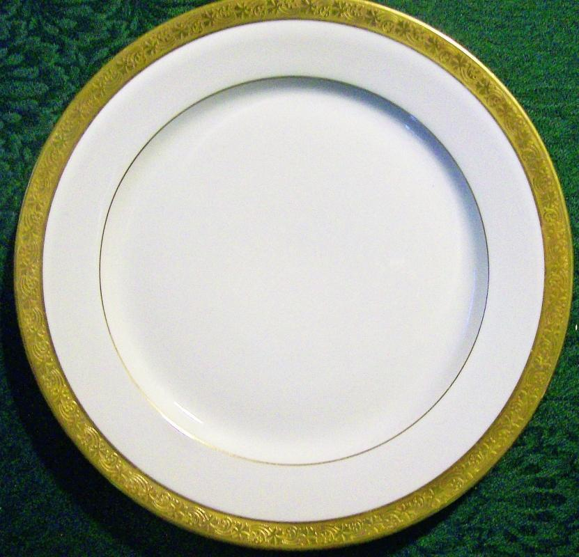 Antique T&V Limoges TRV913 Plate Gold-Encrusted 8.75