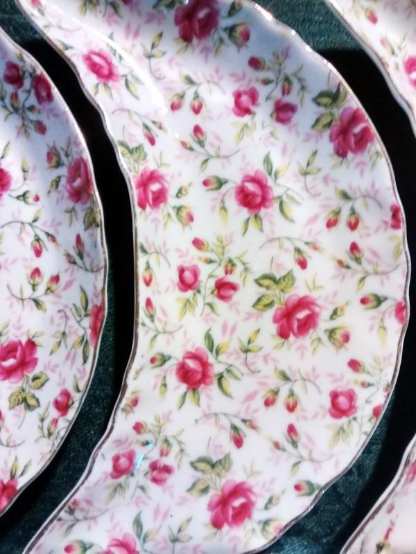 Vintage Lefton Rose Chintz Crescent Salad/Bone Dish Set/4 1960s