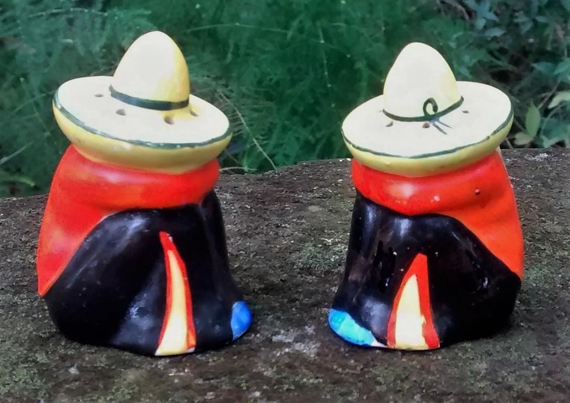 Vintage Mexican w/Sombrero Siesta Salt & Pepper Shakers 1950s Japan