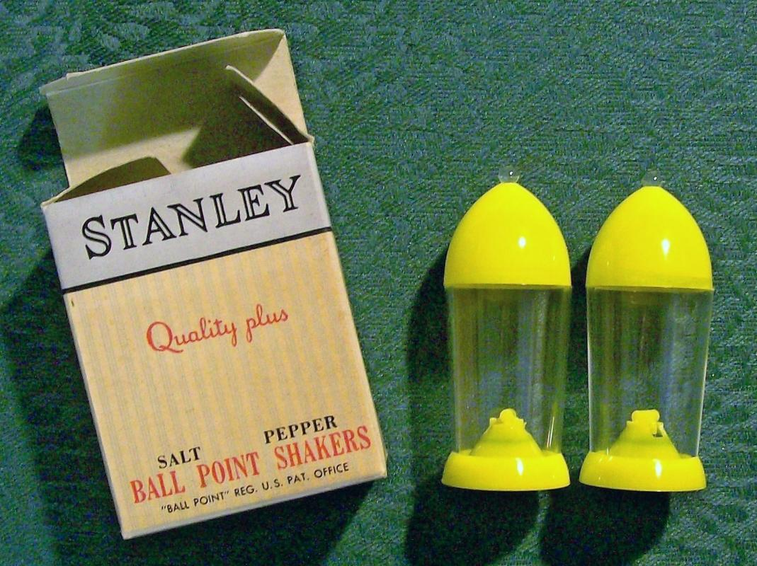 Vintage Stanley Ball Point S&P Shakers w/Box 1950's Plastic