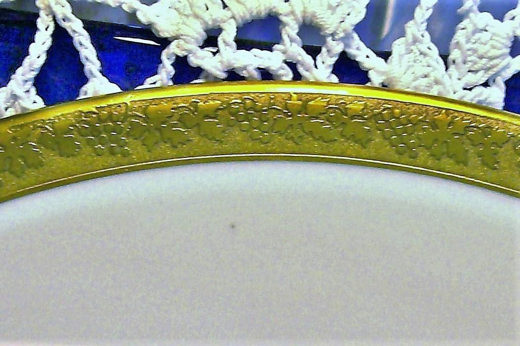 Antique Royal Bayreuth ROB24 Grapevine Motif Gold Encrusted Plate Set/4 8.5