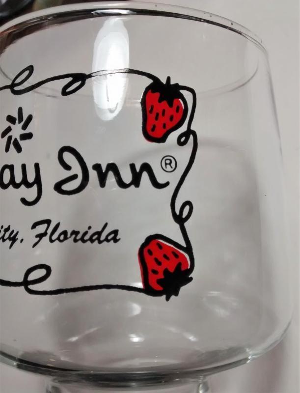 Vintage Holiday Inn Plant City Tumbler Florida Strawberries
