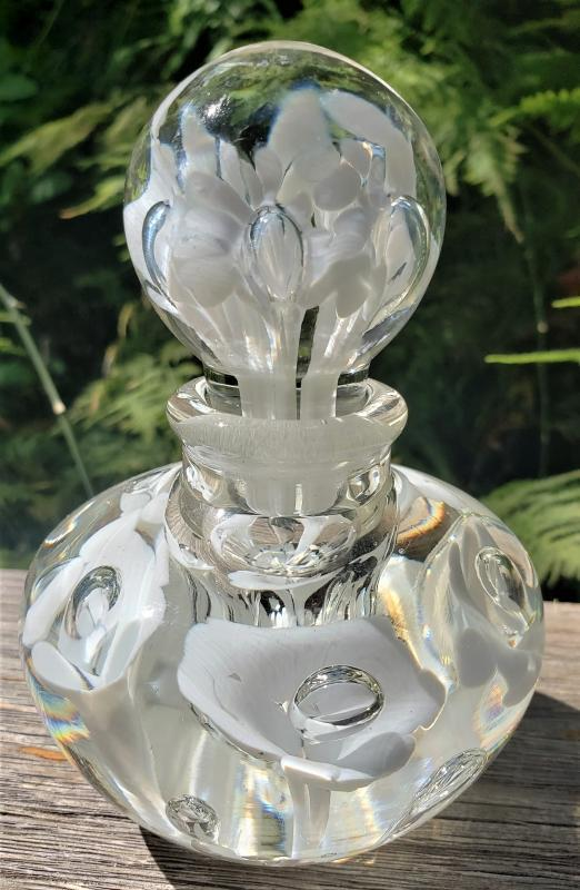 Vintage Maude/Bob St.Clair Paperweight Perfume w/Stopper 1960s White Trumpet Flowers