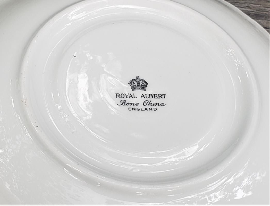 Vintage Royal Albert White Dogwood Cup/Saucer Bone China