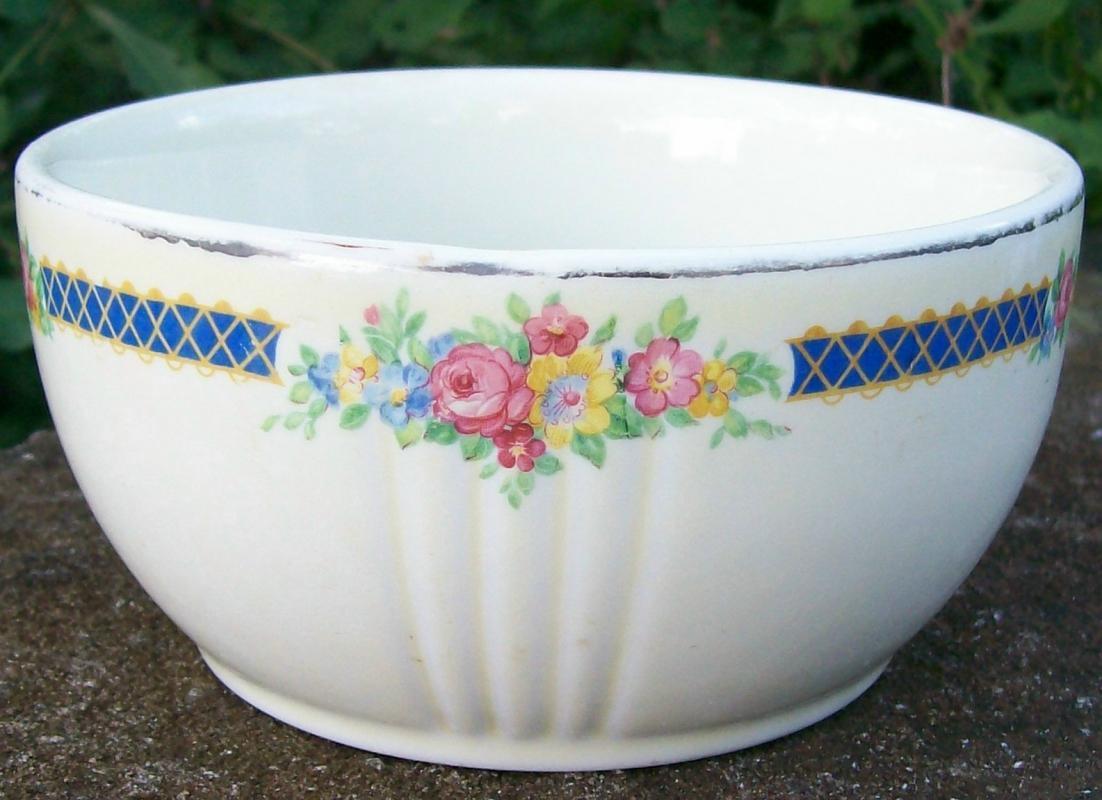 Vintage Hall Blue Bouquet Drippings Jar Bottom