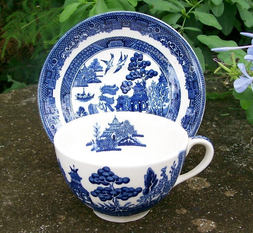 Vintage Johnson Brothers Blue Willow Cup & Saucer 1960s