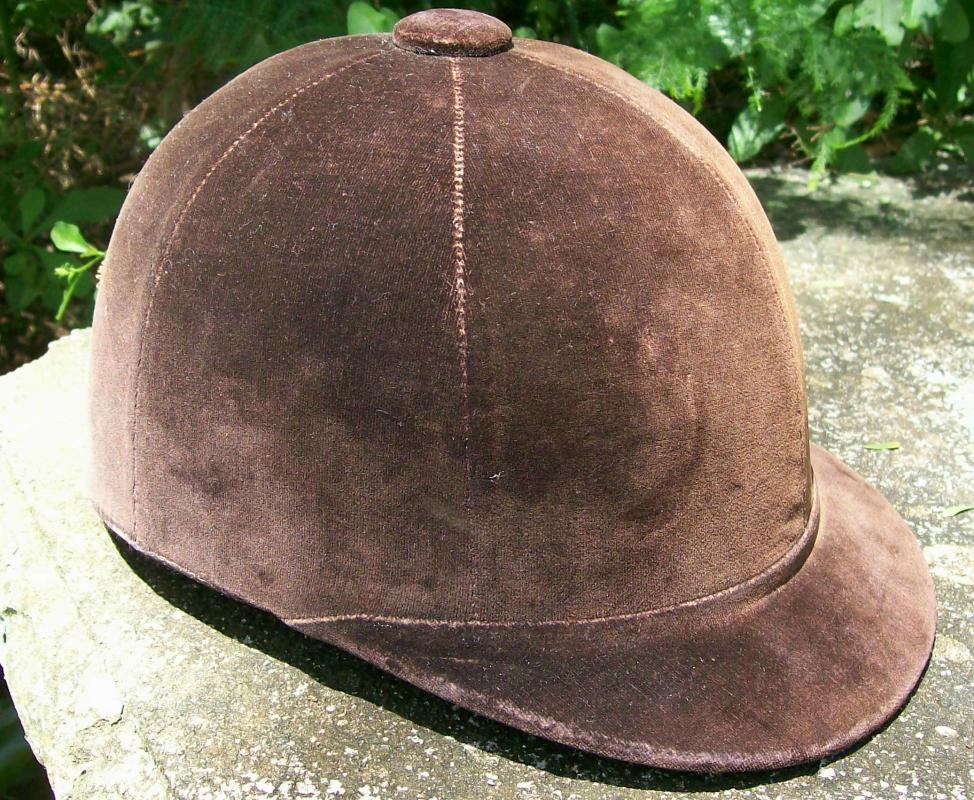 Vintage Sport Togs Equestrian/Horse Riding Cap 1950's Brown Velvet