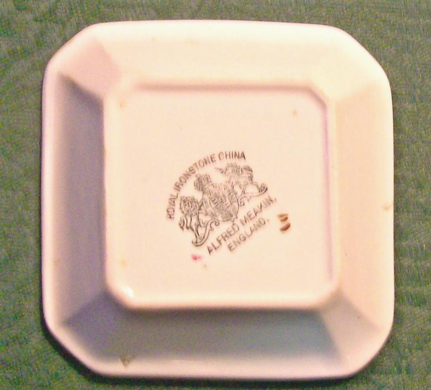 Meakin Tea Leaf Ironstone Nappy/Dish Copper Luster Trim 4.25