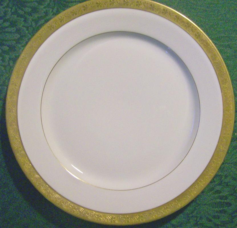 T&V Limoges Gold-Encrusted Plate TRV913 Early 1900's