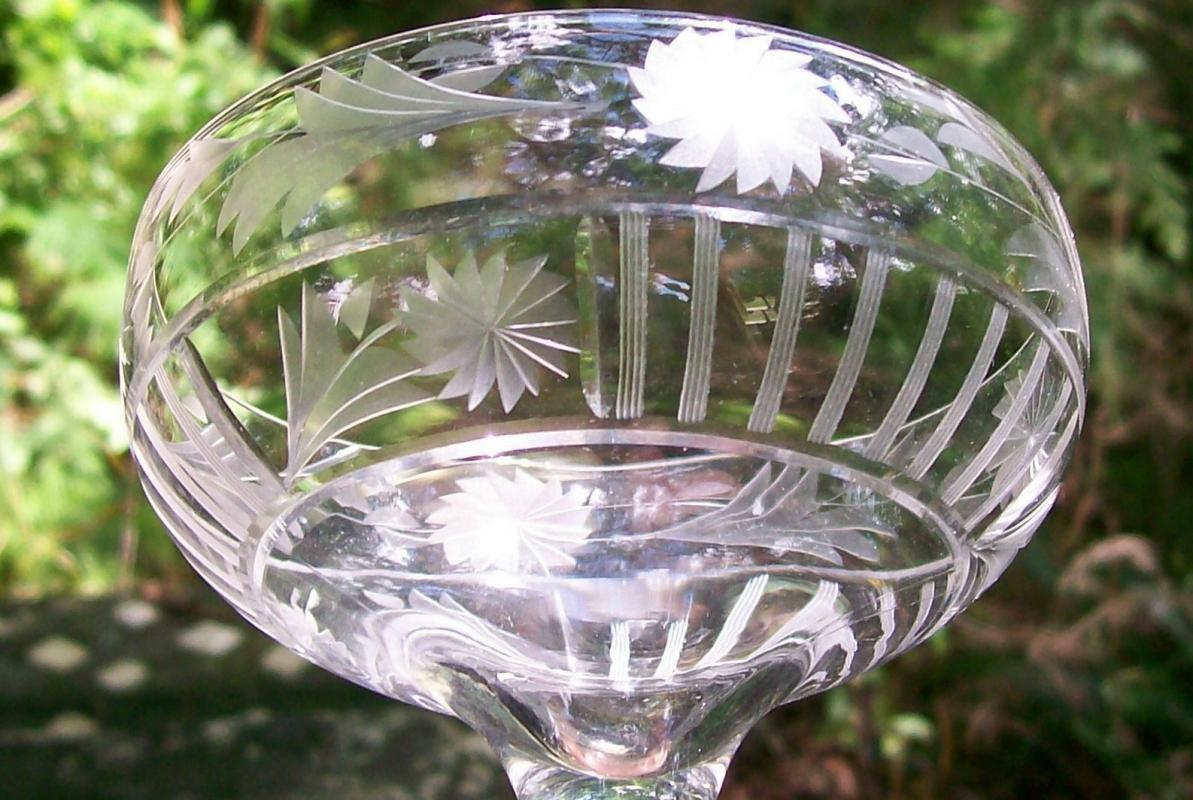 Glastonbury-Lotus Cut Glass Champagne #28-3 Clear Vert Lines/Flowers