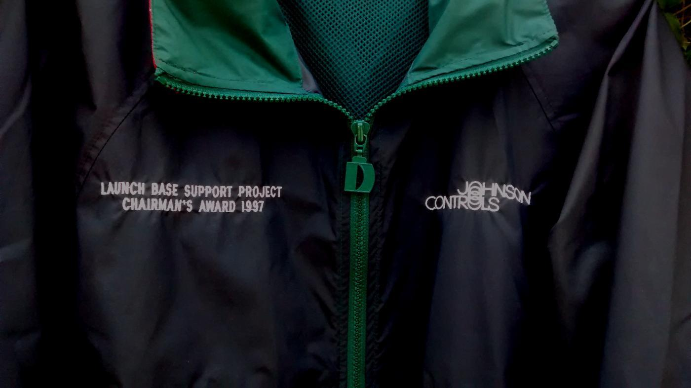 Johnson Controls Launch Support 1997 Jacket NASA Space Program Size S/M