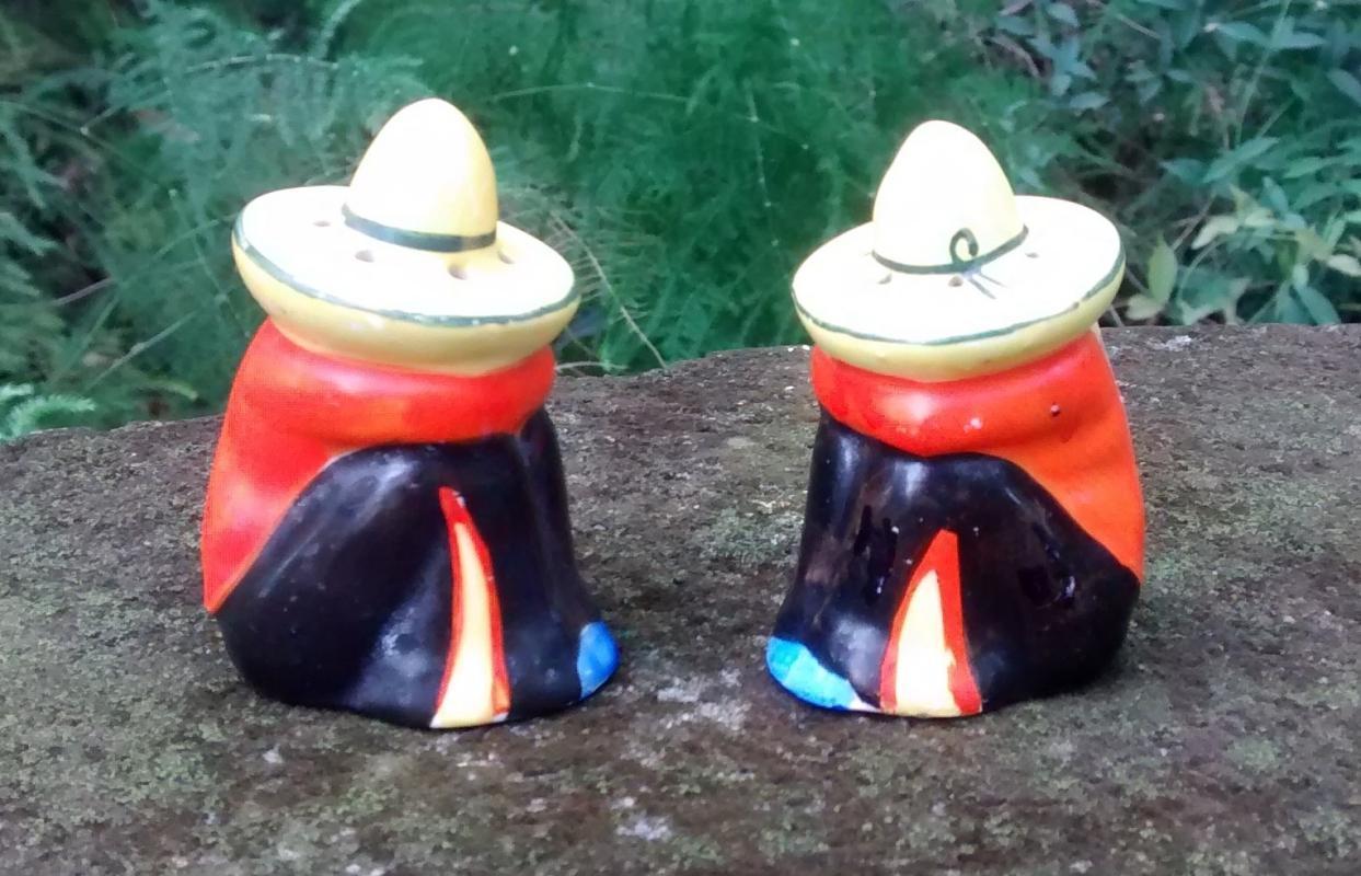 Mexican in Sombrero Siesta Salt & Pepper Shakers Ca. 1950s Japan Ceramic