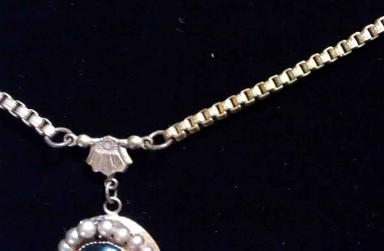 Antique Czechoslovakian Portrait Pendant Necklace Book Chain 17