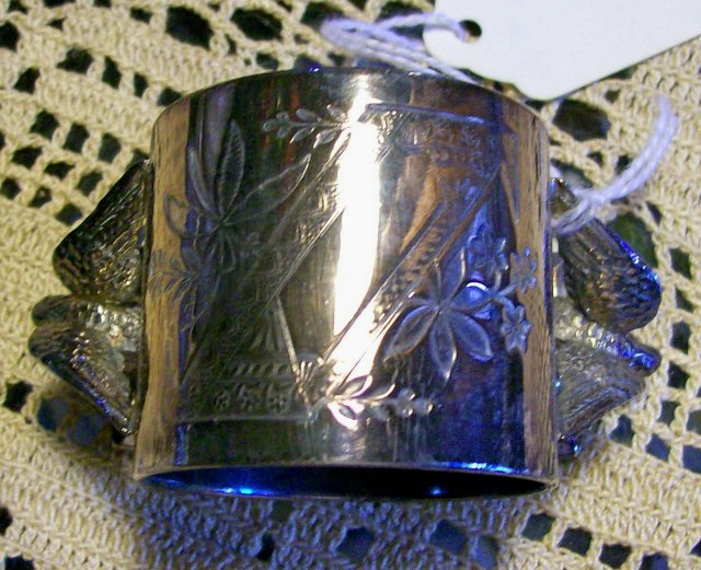 Meriden Silverplate Figural Napkin Ring Double Bird Set/4 VG No Monogram