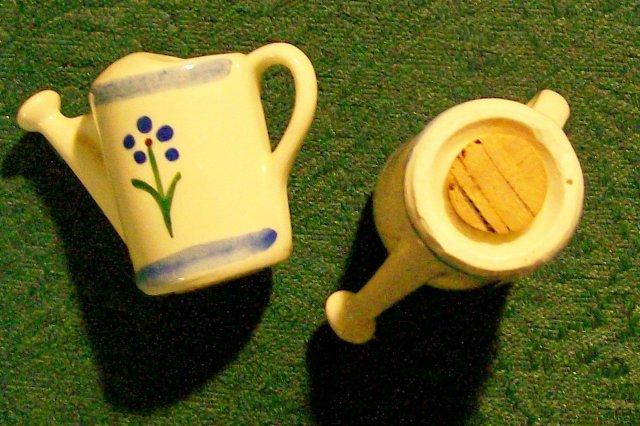 Shawnee Pottery Watering Can Salt & Pepper Shakers Ca. 1940 Blue Trim