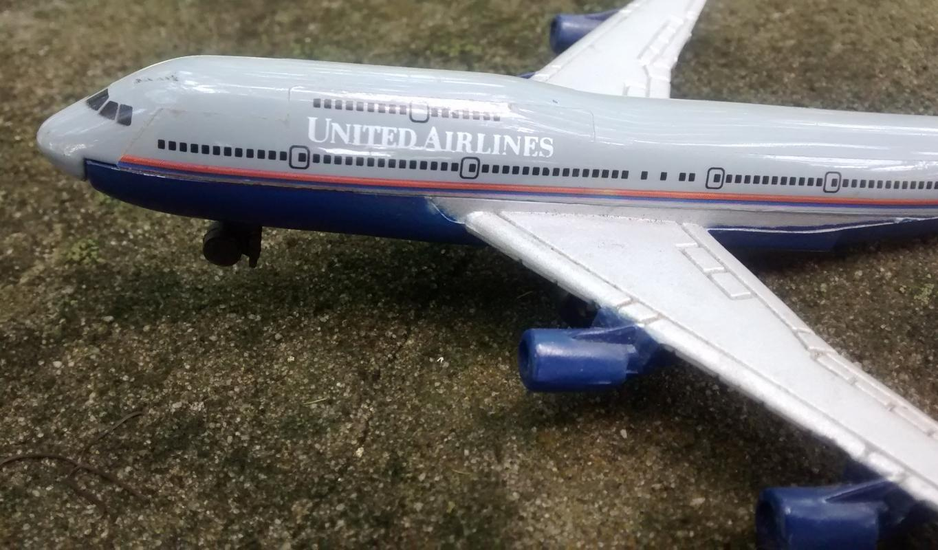 United Airlines Boeing 747 Jet Airplane Diecast Metal Model 1:400 Scale