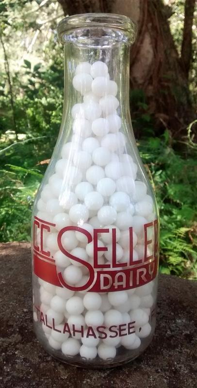 C.C. Sellers' Dairy Milk Bottle Tallahassee Florida 1940s RQ ACL Family Scene
