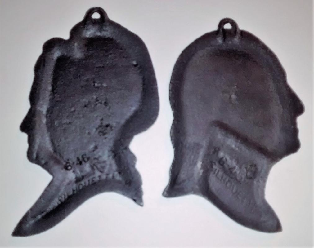 Virginia Metalcrafters Cast Iron Silhouette Plaque Pair George & Martha Washington