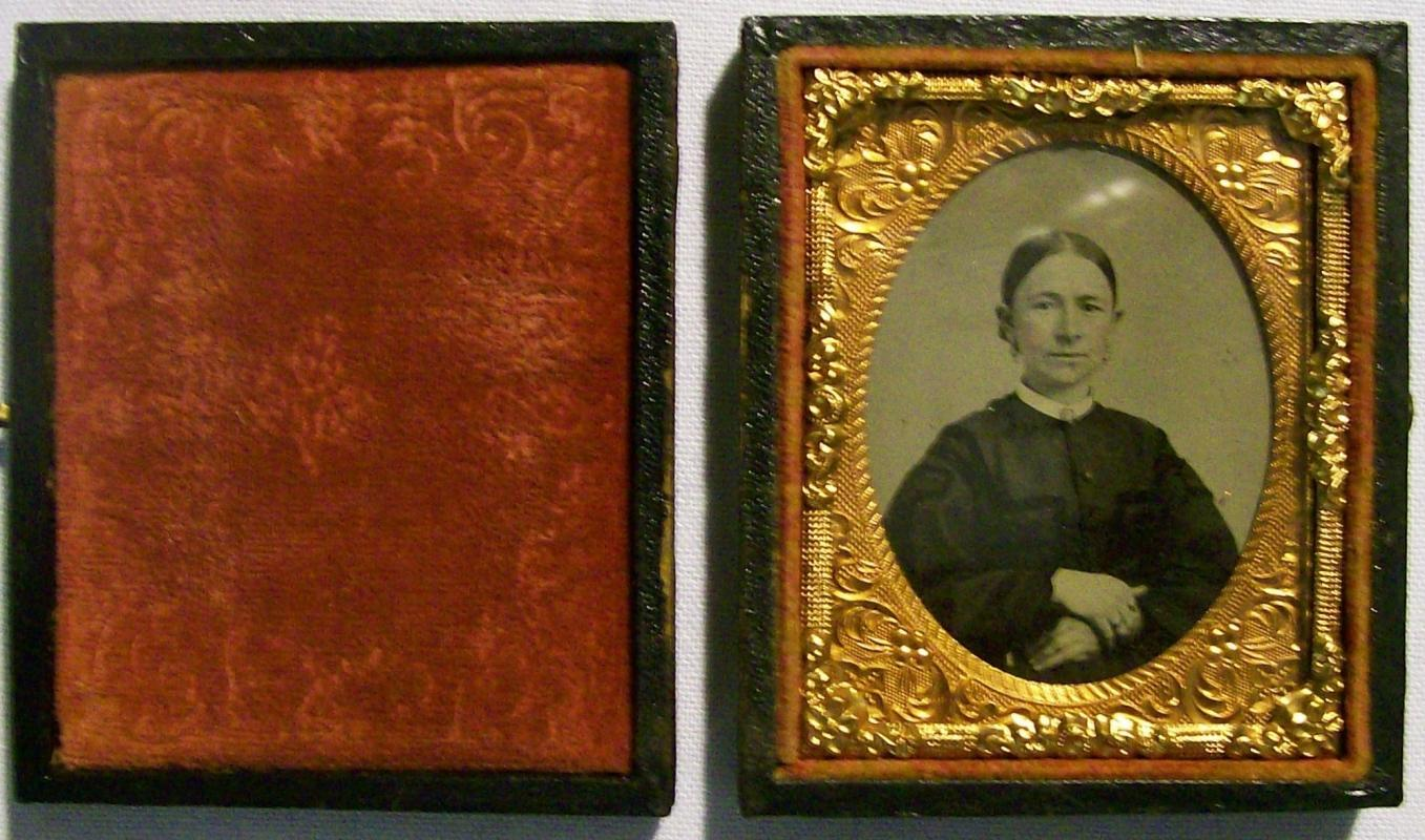 Tintype Photograph of Woman w/Case Ninth Plate Mid-1800s
