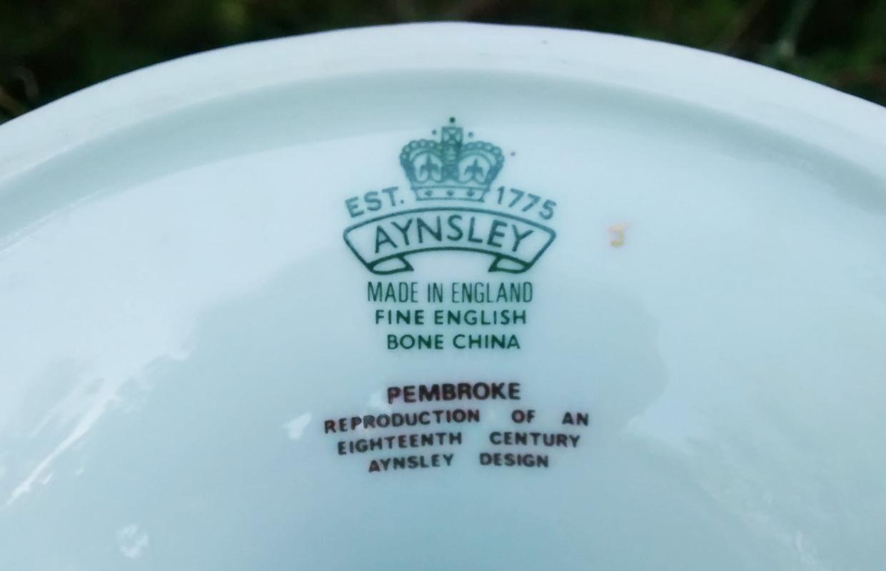 Aynsley Pembroke Cake Stand Bone China Gold Trim 4