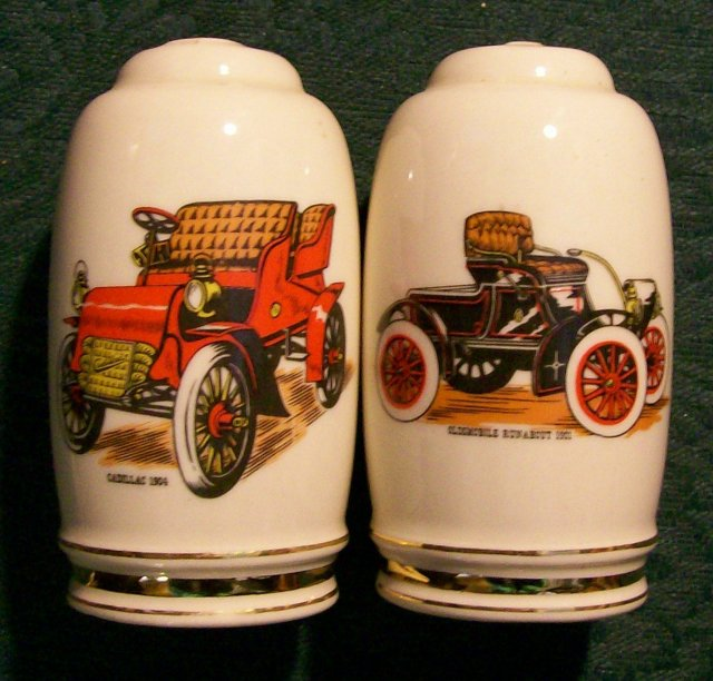 Hyalyn Ceramic Antique Auto Salt & Pepper Shakers #633 Caddy/Olds