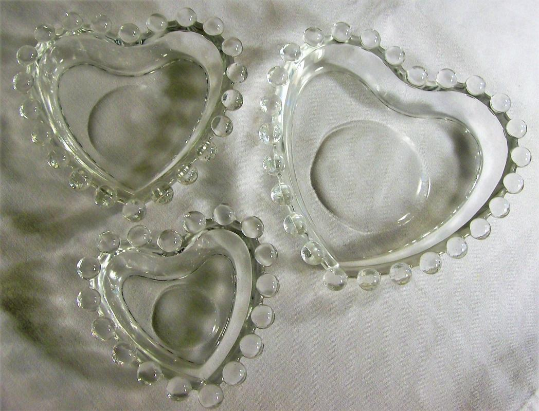 Vintage Imperial Candlewick Heart Dish Set/3 Nested Clear Glass