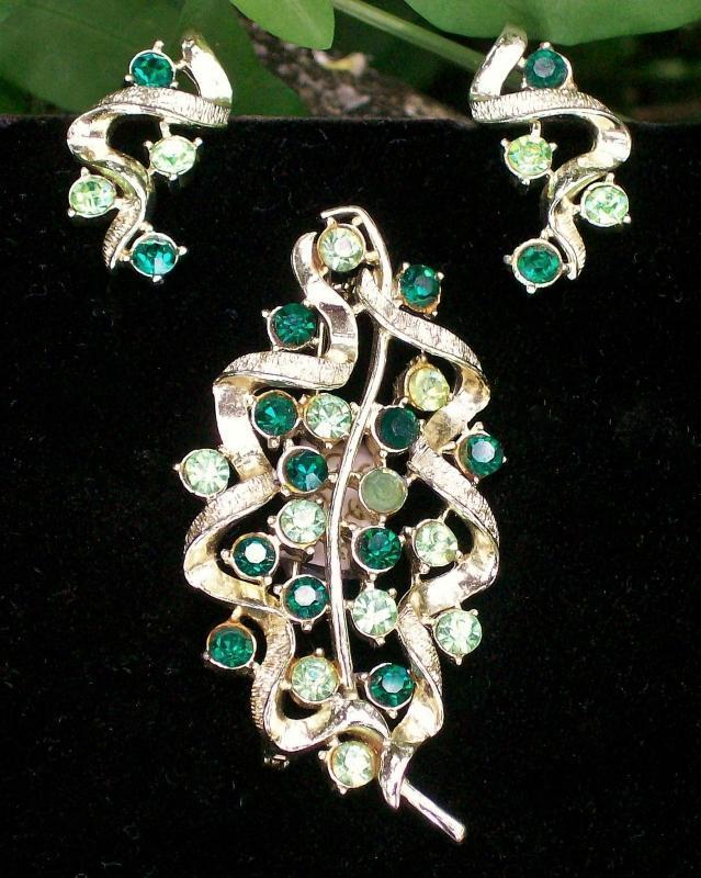 Vintage Coro Brooch/Pin & Earrings Set Leaf Green Rhinetones MCM