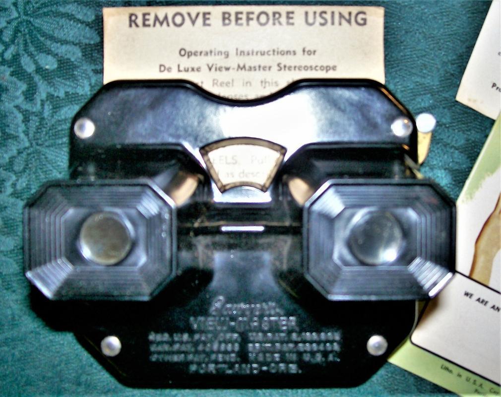 Vintage Sawyer Deluxe Viewmaster Viewer in Box w/Extras Black Bakelite