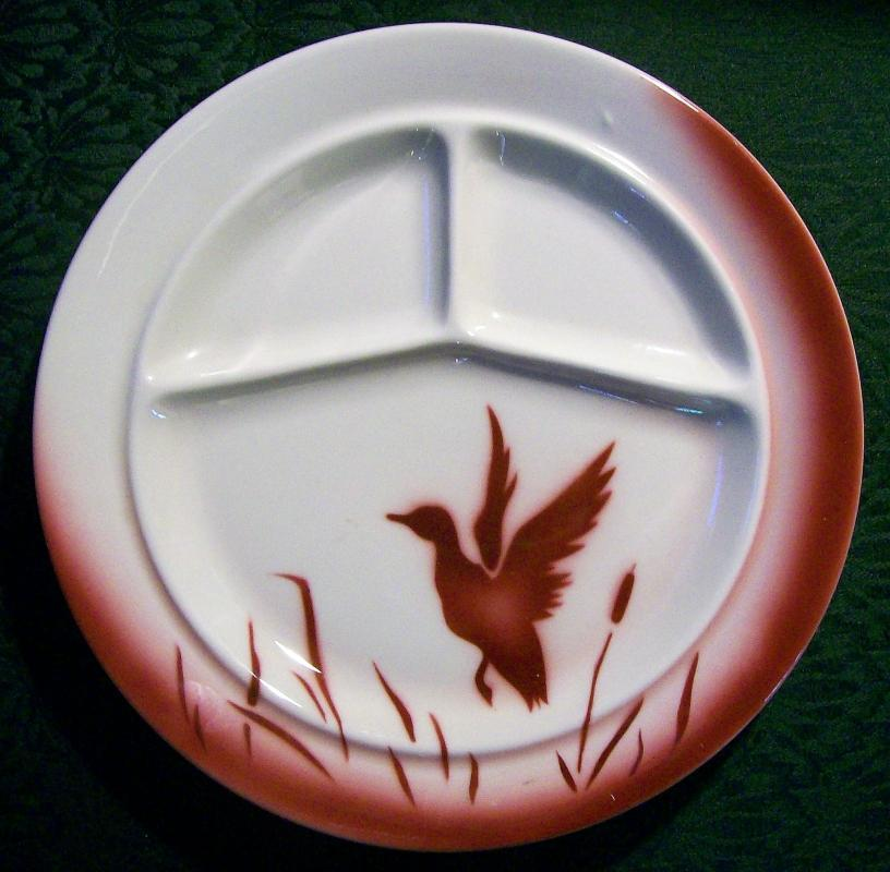 Vintage Jackson AB Duck/Cattails Grill Plate Restaurant 1946-51 Burgundy Red