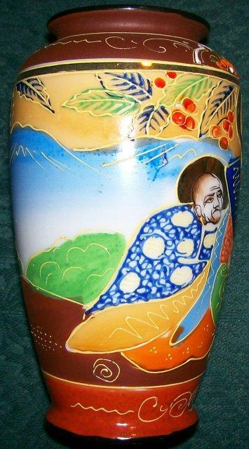 Vintage Satsuma-style Vase Immortals/Holy Figures Japan 1930s 6