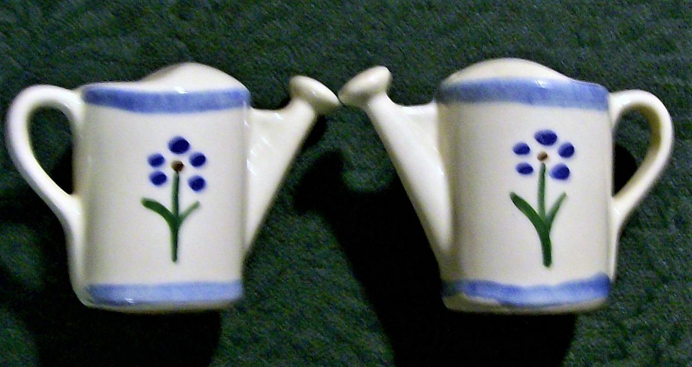 Vintage Shawnee Watering Can Salt & Pepper Shakers Ca. 1940 Blue Trim