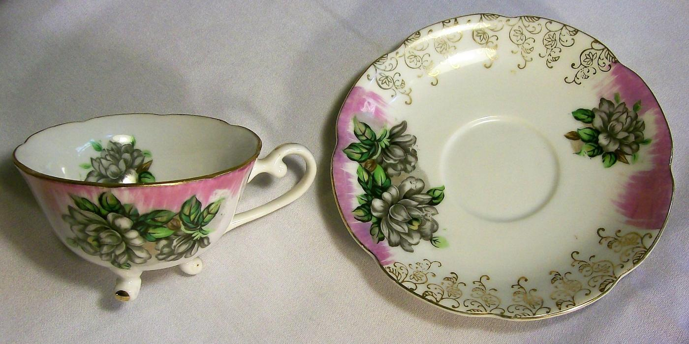 Vintage Lefton Gardenia  3-Footed Cup/Saucer 1950s