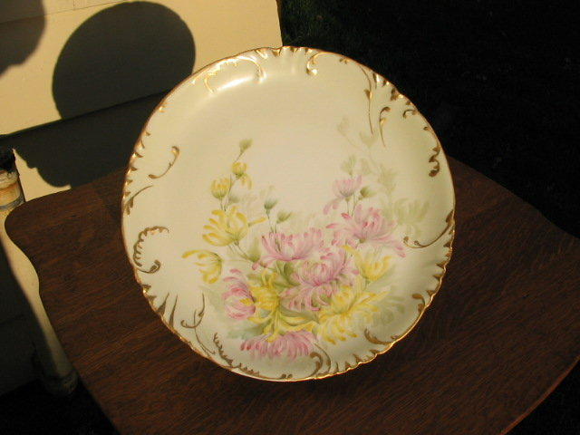 HAVILAND LIMOGES HAND P. CHARGER