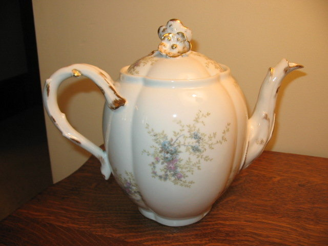 EARLY GUERIN LIMOGES TEAPOT