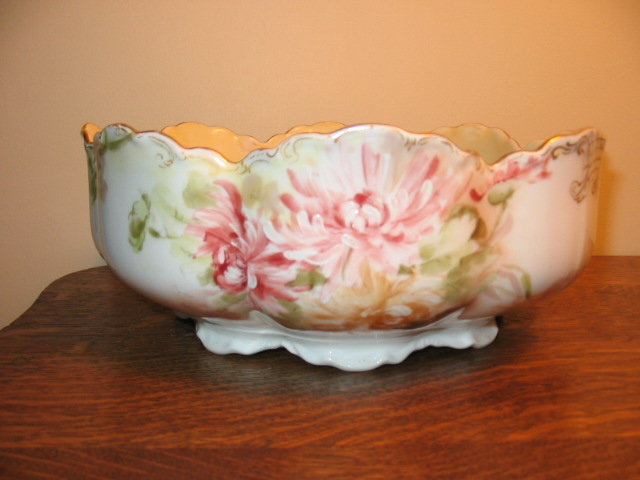 EARLY HAVILAND LIMOGES H.P. BOWL