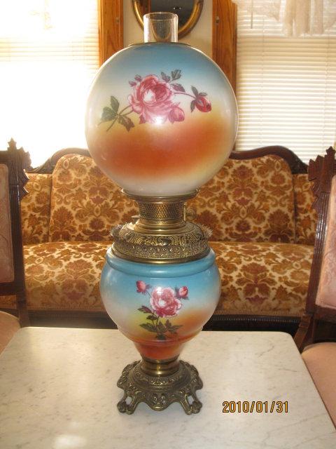 Bradley and Hubbard Roses GWTW Lamp