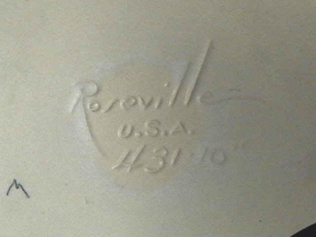 Roseville Console Bowl Green Peony 431-10
