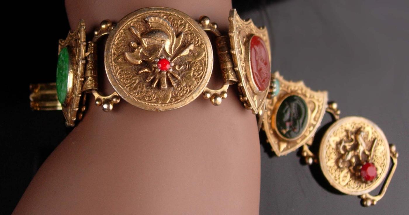 Vintage Cameo Medieval  bookchain bracelet