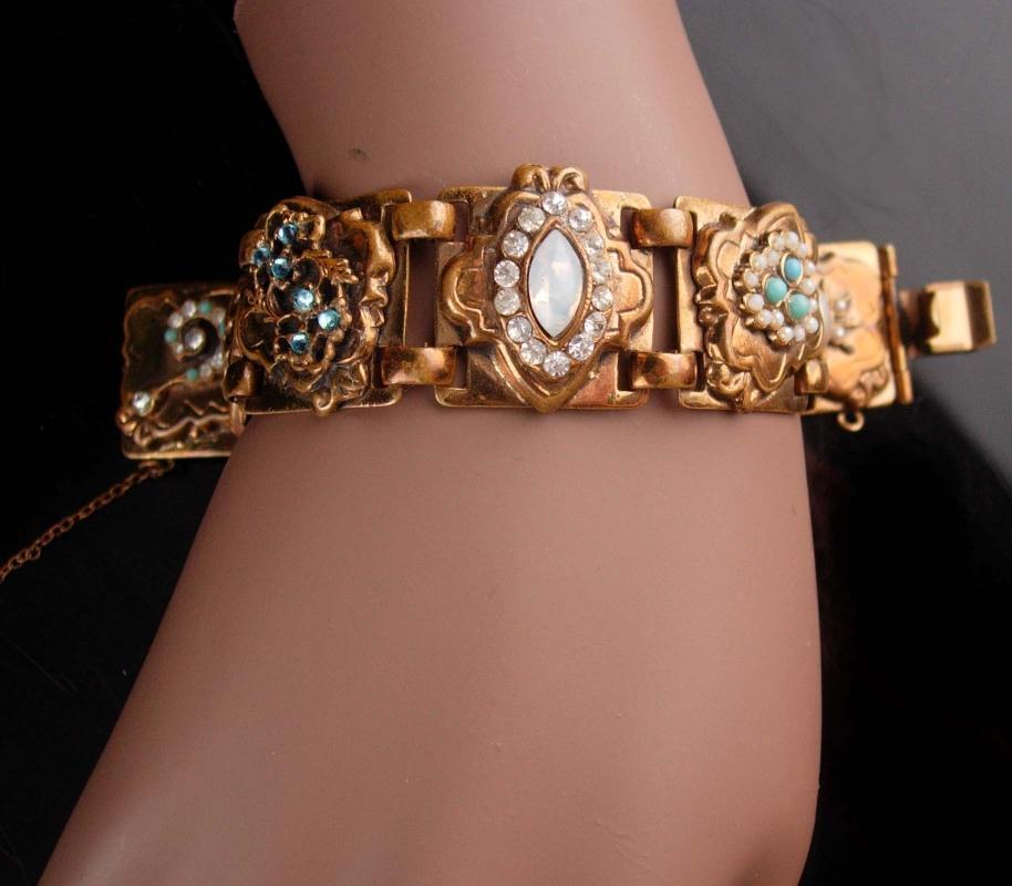 Victorian Cameo garnet Fleur de lis bracelet