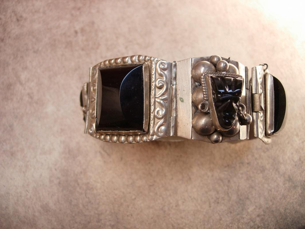 Vintage STERLING Mexico Bracelet SIGNED Black Onyx carved figural heads