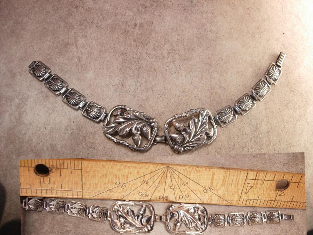 Vintage Art Nouveau Floral Mourning Bracelet Fancy Acorn links