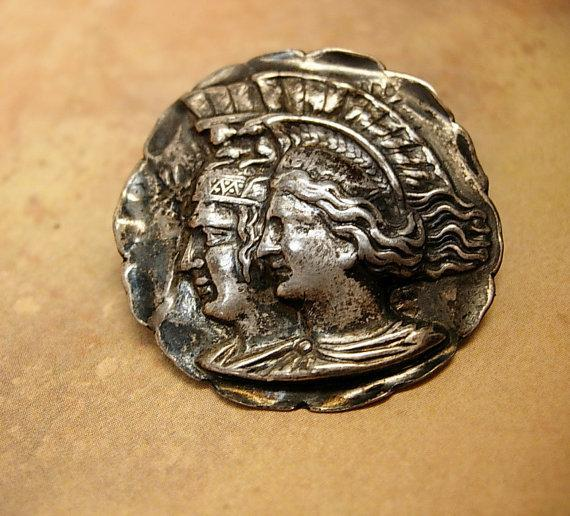 ANtique Love Token sterling brooch King and Queen