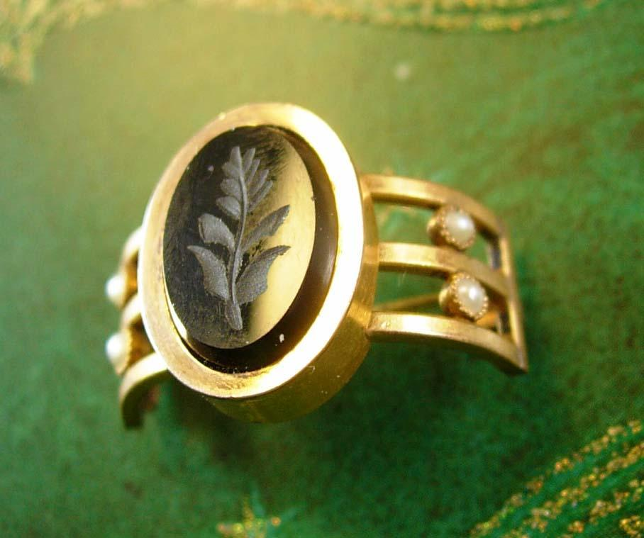 Antique Tussie Mussie Victorian pearl and carved onyx posey Boutineer gold Boutiniere lapel flower holder wedding posy pin